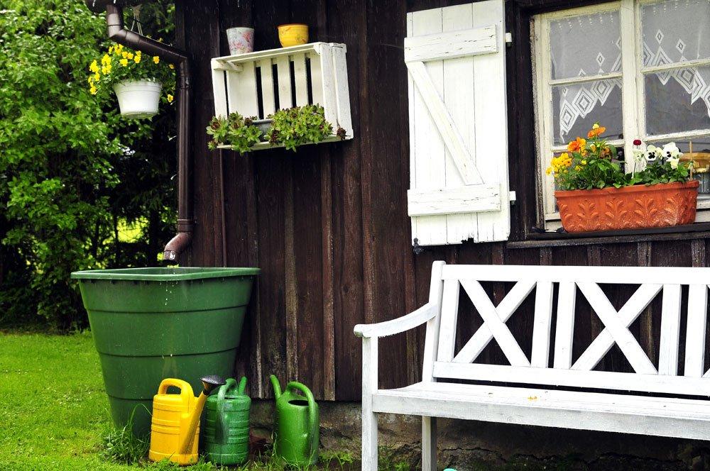 welche vorz ge bietet der einsatz einer regentonne. Black Bedroom Furniture Sets. Home Design Ideas