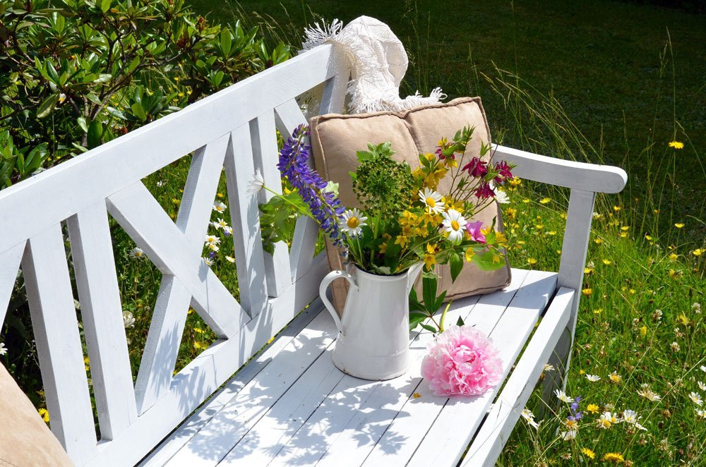 Landhausstil Garten garten im landhausstil gestalten so schaffen sie cottage flair
